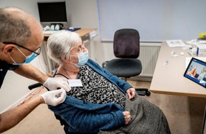 Covid-19: Comienza la vacunación en 100 geriátricos de la provincia