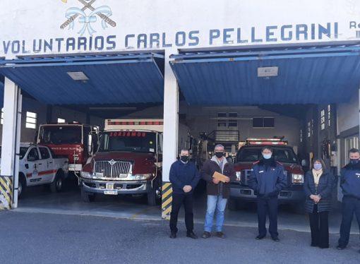 En una recorrida, Berra entregó aportes en Las Petacas, Carlos Pellegrini y San Jorge