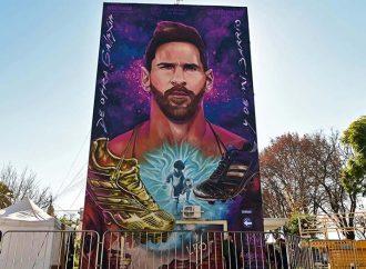 La gesta del imponente mural de Messi desde adentro