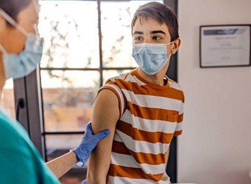 Inicia la vacunación a menores de entre 12 y 17 años