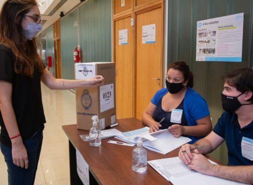Elecciones generales: las autoridades de mesa cobrarán más que en las Paso