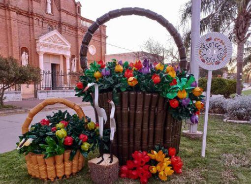 Reciclar para festejar: cuando la basura se transforma en arte